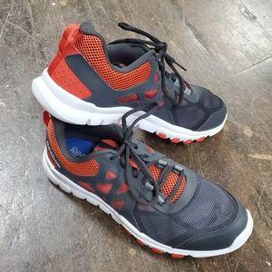 NWOT Reebok memory tech men's shoes size 9.5